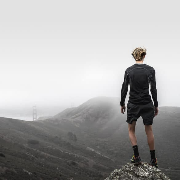 Hombre en montaña