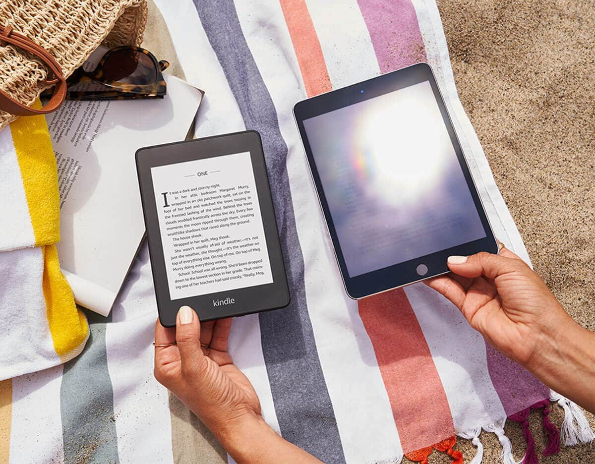 Pantalla eBook vs tableta en el sol